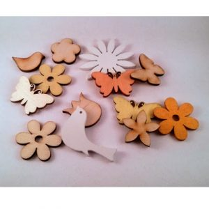 Fából készült dekorációs elemek
